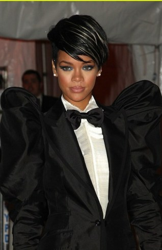 rihanna-met-costume-institute-gala-2009-151