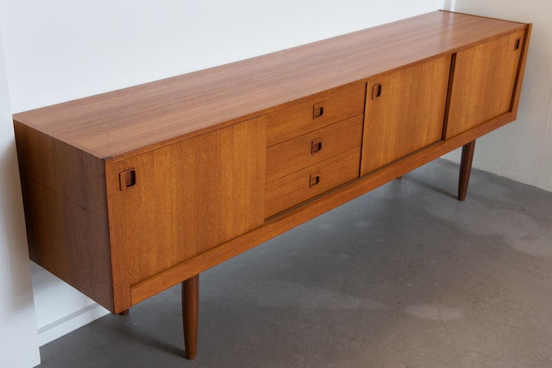 Langes Sideboard Langes Teak-sideboard Redekta, 1970 – Bliss Modern Antiques
