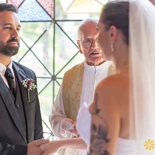 Fotos do Casamento na Capela nossa Senhora Salete realizado pelo estúdio Bliss fotografia