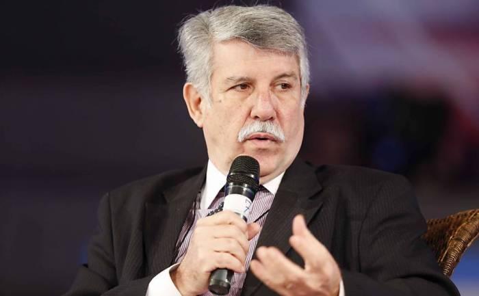 osé Augusto de Castro, presidente da AEB