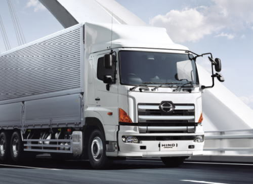 新東名で「ダブル連結トラック」実験走行始まる