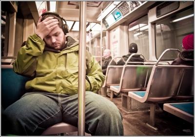 WHO「イヤホンで音楽を聴くのは一日1時間まで!」将来11億人が難聴になる可能性がある