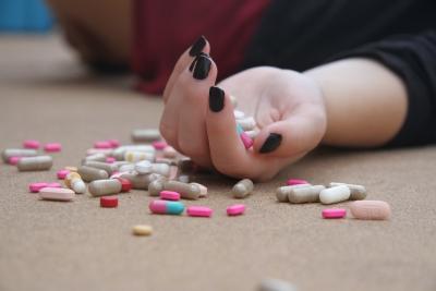 通販CM「この薬スッゴク効きました~!」※個人の感想です ←違法の可能性アリと消費者庁
