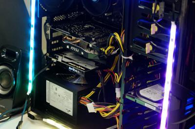 クリエイティブからLEDで光るサウンドカード「Sound BlasterX AE-5」7月下旬発売 384kHz/32bit対応