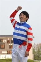 【競馬】 落馬直後の後藤騎手に、心ないヤジを飛ばす競馬ファンがいたらしい…