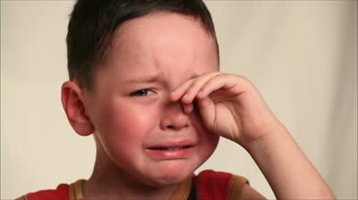 【少シモ注意】洗面所の戸を開けたら、父親と母親がアヤシイポーズをしていて泣いたことがあった