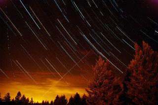 【宇宙】ただ今、りゅう座流星群がピークに 北海道~九州まで観測