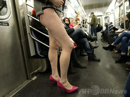 【朗報】ニューヨークで毎年恒例のノーパン祭り(画像あり)