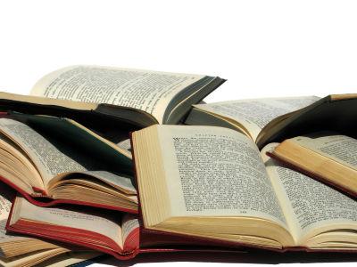 月に本を何冊読む・・・? 約半数が「1冊も読まない」の衝撃wwwwwwwwww