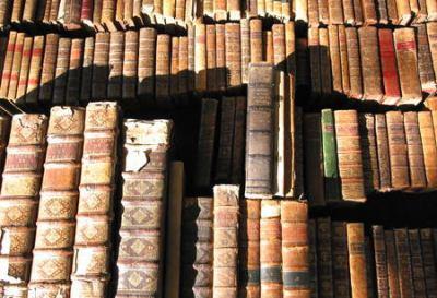 「買ったはずの蔵書が消える」 … 電子書籍事業から撤退するローソン等、企業の撤退相次ぎ
