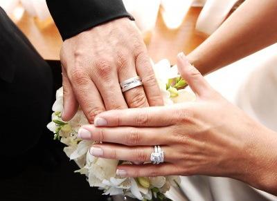 婚約者に「結婚指輪買ってくるから20万円頂戴」って言われた