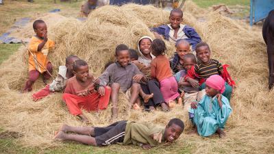俺「残さず食べろアフリカでは(ry」アホ「アフリカ人も満腹にな(ry」