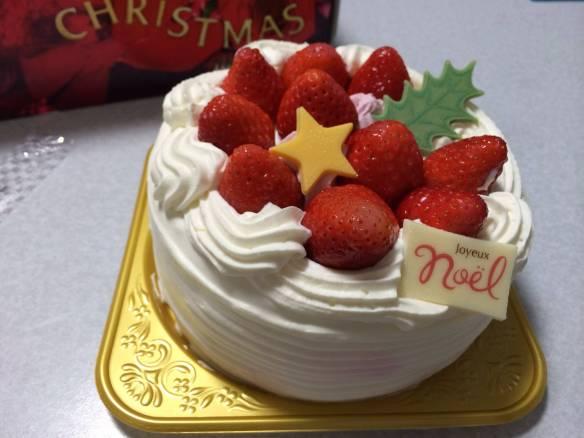 【超悲報】バイト先で買わされたケーキを食べる仕事が始まるおwwwwwww(画像あり)