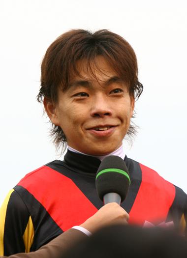 【競馬】 引退騎手・調教師に賭けて儲けよう!   【京都10Rなど】