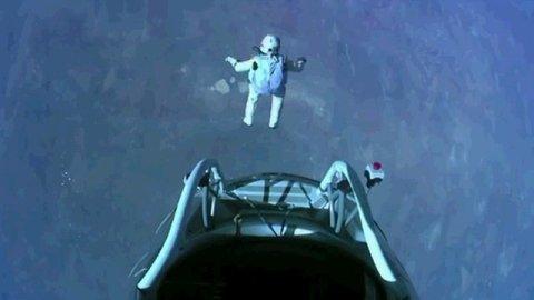 【動画あり】 成層圏、高度3万9千mからダイブした男性、人類初の単身「音速越え」達成