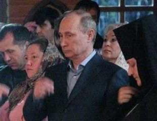 """【画像】 一体何を聞いてしまった? ロシアのプーチン大統領の""""囁き""""を受けた子供、魂を抜かれる"""
