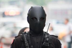【画像あり】1度見たら忘れられない…台湾の特殊部隊のマスクが迫力あり過ぎる