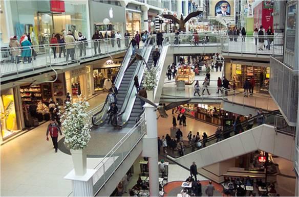 急な仕事でデートキャンセル。独りで前から行ってみたかったショッピングモールでお散歩してたら仕事中の彼氏発見