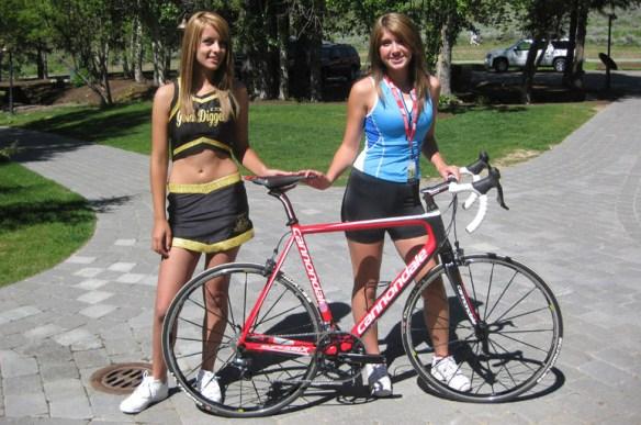 【分かれば自転車通?】ロードバイクでチェーン切れて困ってた子を助けたら嫁になった