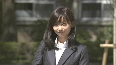 【悲報】紀子さま 写真流出を恐れて佳子さまにサークル参加禁止令