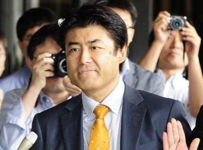 産経・前ソウル支局長加藤記者の在宅起訴、韓国政府は水面下で『穏便に済ますのでひとまず訂正して謝ってほしい』などと持ちかけてきていた … 「大統領に恋人、密会も事実」 - アサ芸