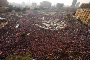 エジプト人って今何のために誰と戦って800人も死んでんの?