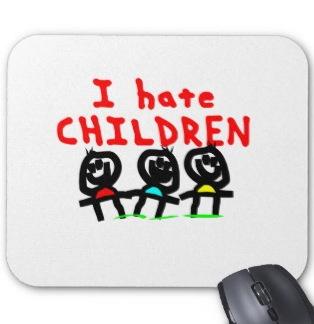 兄は子供嫌いで姉の子供を邪険に扱い大喧嘩、親が仲裁を繰り返していた。そんなときに兄の彼女がやって来た