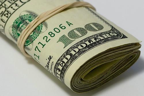 こっちはバイトでコツコツとお金貯めて頑張ってるのにあっさりと親の金で解決するとかムカつくよなあ