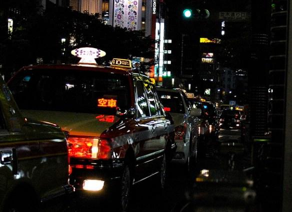 タクシー乗り場が長蛇の列の時に普通に乗って帰れる方法