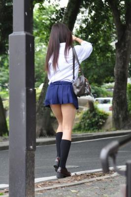 【画像あり】女子高校生の後ろ太ももが大好きなんだがwwwwww