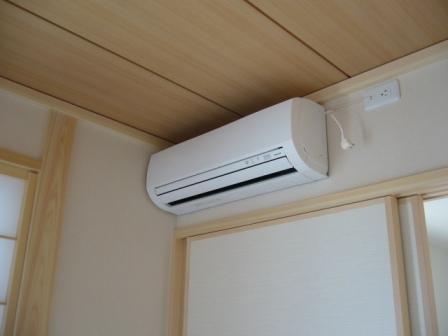 馬鹿「エアコン使うと地球温暖化になる!!」←は?????
