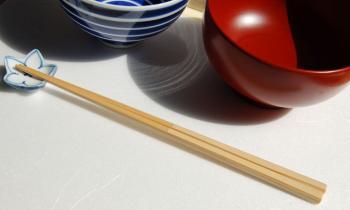 欧米人「日本人が食事の時に使うハシとかいう棒wwwwwwwww」