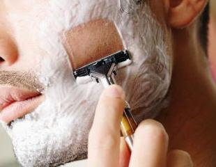 髭剃りは電気シェーバーより丁字カミソリだよな 抜群に剃れる