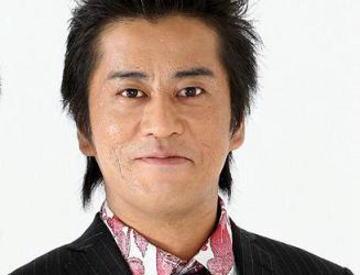 お笑いコンビ・ブラックマヨネーズの吉田敬(40)が結婚 「今の気持ちはニンマリ!です」 … お相手は、かねてから交際していた26歳元看護師の一般女性