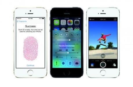 NTTドコモ、iPhoneの販売へ … 米Appleが開いた発表会で明らかに