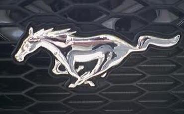 """フォード、2015年モデル新型マスタングを2013年12月5日にワールドプレミア … """"6世代目の新型マスタング""""のデザインがヤバすぎると話題に (画像)"""