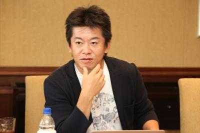 堀江貴文さん(41)「東大以外は行く意味ない。はやくやめた方がいい。金の無駄」