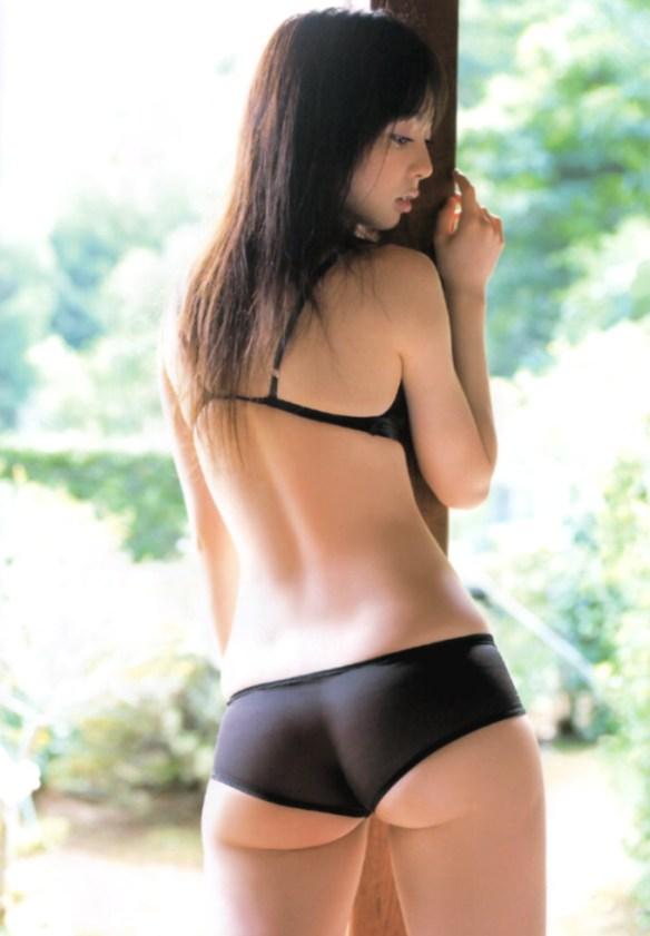 【めちゃシコ】オシリーナこと秋山莉奈さんの圧倒的なお尻がエッチすぎるwwwwwwwwwwwww(画像あり)