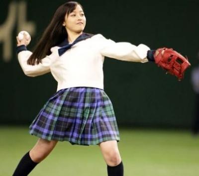 【画像あり】橋本環奈、天使すぎるノーバン始球式・・・・・!