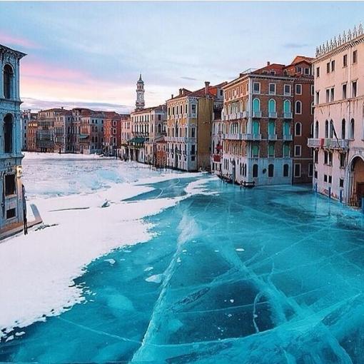 【衝撃画像】 水の都・ベネチアが凍りつく なにこれすげえええええええ!!!!!!!!!!