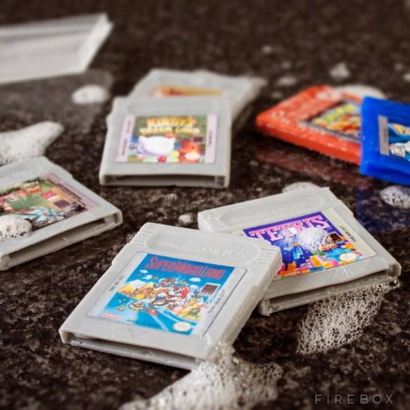 【任天堂】 「ゲームボーイ」の思い出を語れ。電池少なくなったら画面を濃くしたよな?w