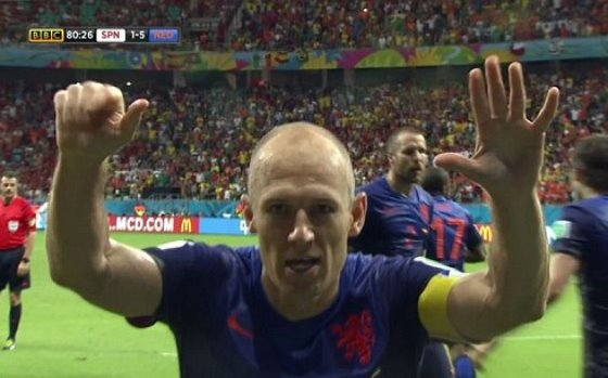 【W杯B組】オランダがスペインに5-1の大勝!先制した前回王者スペイン、悪夢の5失点(動画)