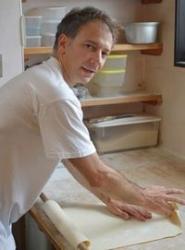 うどんに魅了されたイタリア人、徳島で料理人を目指す