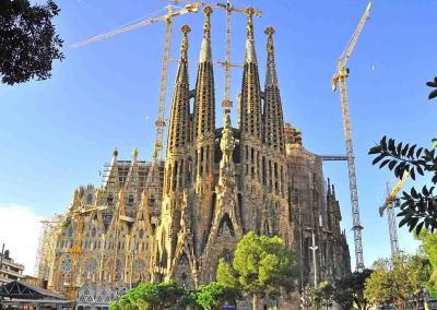 1882年着工、完成までに300年掛かると言われていたアントニ・ガウディ作「サグラダ・ファミリア」教会、最先端技術の導入で12年後の2026年完成が見込まれる