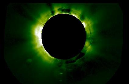 太陽付近で正体不明の超巨大な円盤型の物体が観測される … 惑星ほどのサイズ (動画)