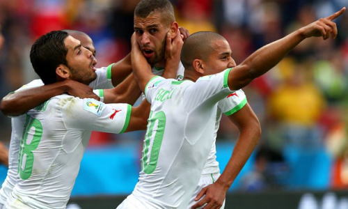 ワールドカップH組 アルジェリアが韓国に4-2勝利 … ボールを持ってるだけでなぜか韓国に物凄いブーイング、敗戦濃厚で怒った韓国人(?)がレーザーポインター攻撃も