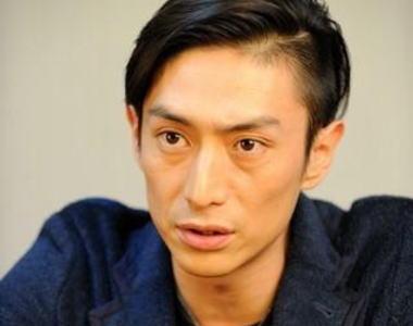 俳優・伊勢谷友介(38) 「名無しの人間が焼身自殺という命をかけた行動を、頭ごなしに迷惑だとか批判するのは許せない」 … 新宿駅焼身自殺未遂についての2ちゃんの反応を見て怒り心頭