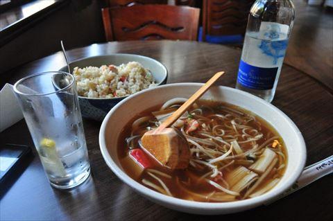 海外のトンデモ日本食 ポテトサラダ寿司、ラーメン状の食べ物…