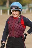 【競馬】 リサ・オールプレス騎手が骨折