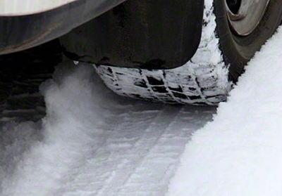 積雪の影響で立ち往生する恐れのある新名神・名神高速・京滋バイパスを車の強制移動ができる区間に指定 … 雪の名阪国道ではスリップ事故続発、一時100台立ち往生